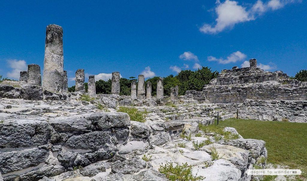 zona archaeologica el rey, cancun mexico