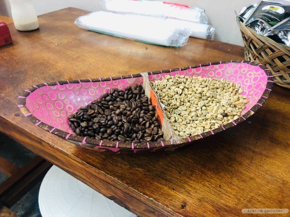 Mundo Autentico - coffee beans